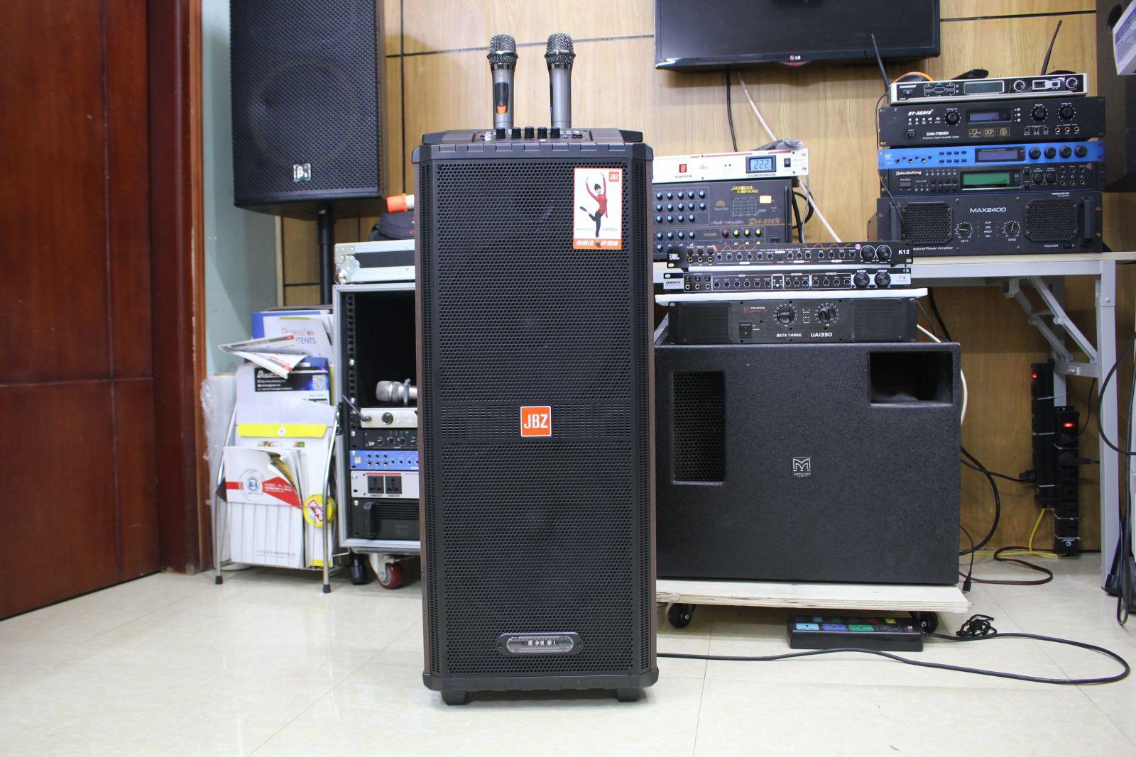 loa kéo tay 2 bass 30 jbz 1212